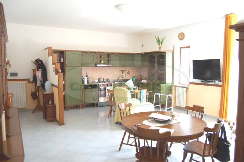 Appartamento in vendita a Contrada, 3 locali, prezzo € 135.000 | Cambio Casa.it