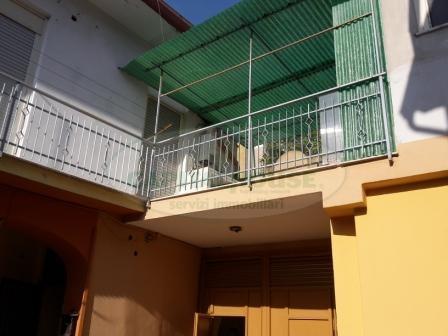Appartamento in vendita a Recale, 3 locali, prezzo € 70.000 | Cambio Casa.it