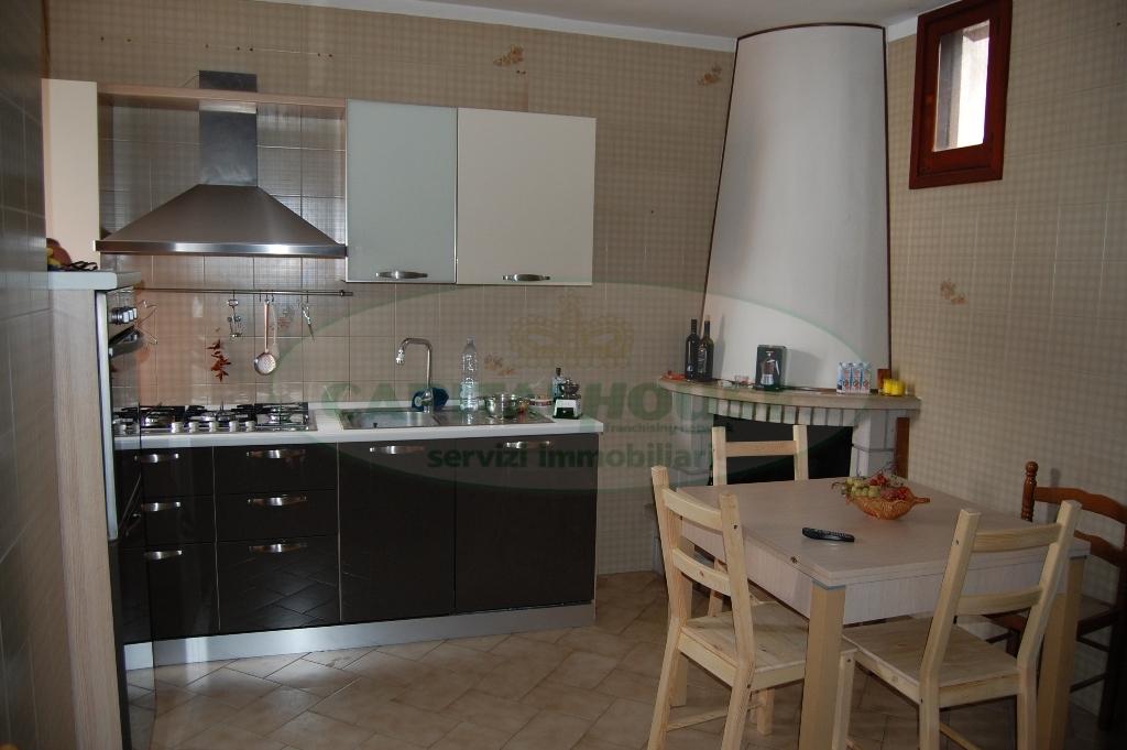 Appartamento in vendita a Forino, 4 locali, prezzo € 95.000 | Cambio Casa.it