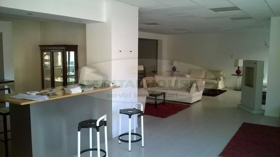 Negozio / Locale in affitto a Sperone, 9999 locali, Trattative riservate | Cambio Casa.it