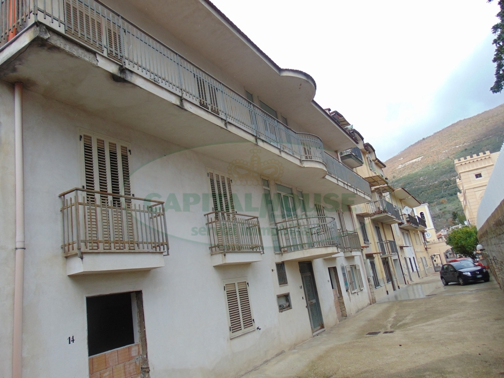 Appartamento in vendita a Sirignano, 3 locali, prezzo € 85.000 | Cambio Casa.it