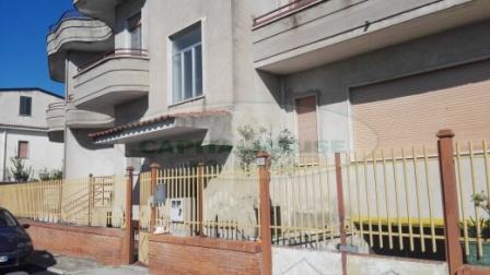 Soluzione Indipendente in vendita a Recale, 8 locali, prezzo € 275.000 | Cambio Casa.it