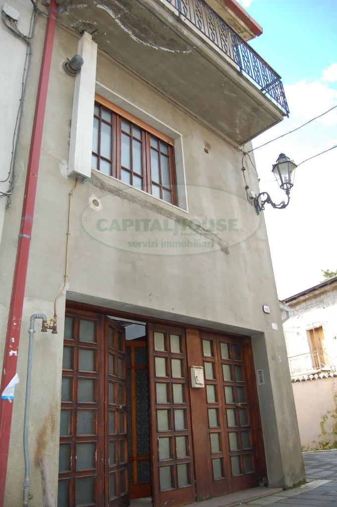 Soluzione Indipendente in vendita a Forino, 6 locali, prezzo € 100.000 | Cambio Casa.it