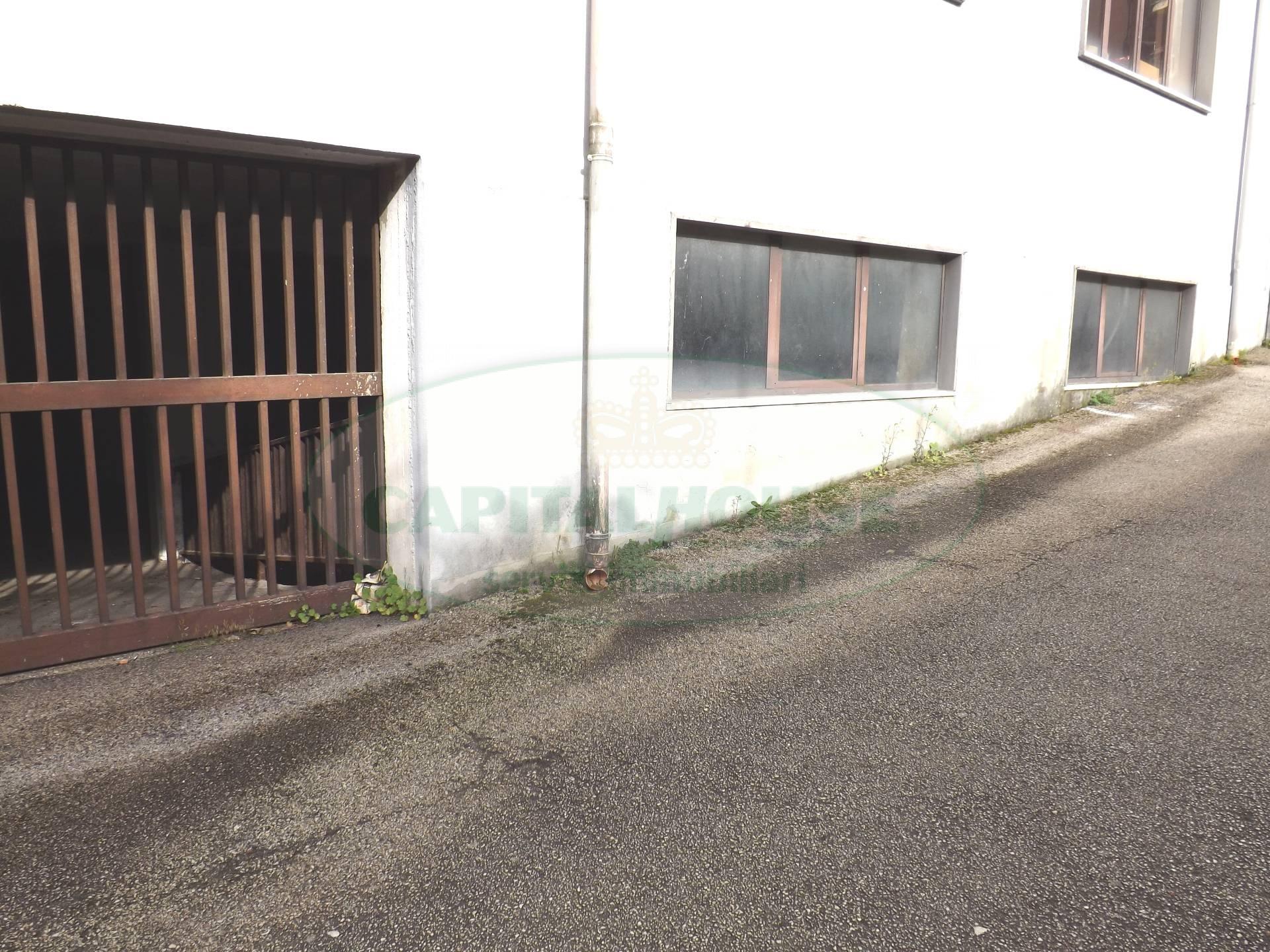 Negozio / Locale in affitto a Atripalda, 9999 locali, prezzo € 200.000 | Cambio Casa.it