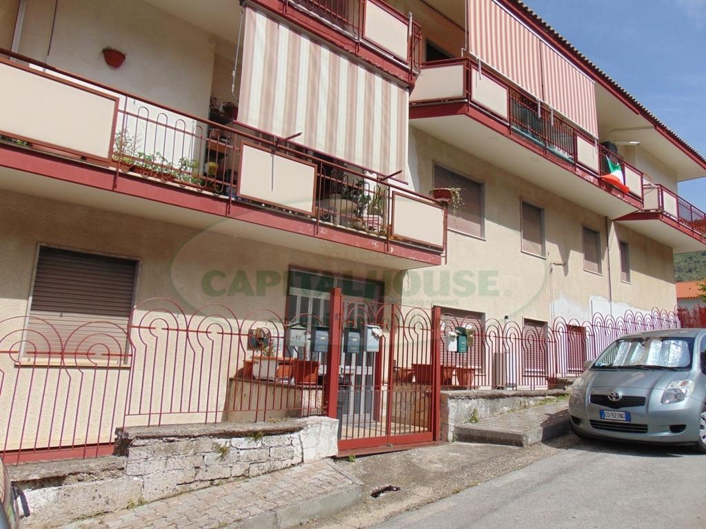 Appartamento in vendita a Quadrelle, 3 locali, prezzo € 65.000 | Cambio Casa.it