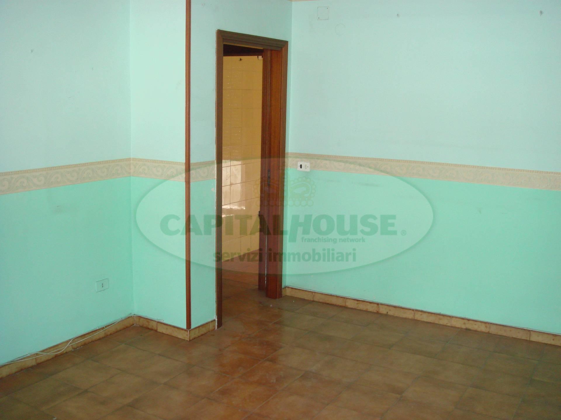 Appartamento in vendita a San Tammaro, 4 locali, prezzo € 70.000   Cambio Casa.it