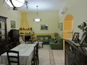 Vai alla scheda: Casa indipendente Vendita - Palma Campania (NA) - Rif. 8053
