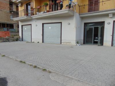 Vai alla scheda: Locale Commerciale Affitto - Mugnano del Cardinale (AV) - Rif. 8223