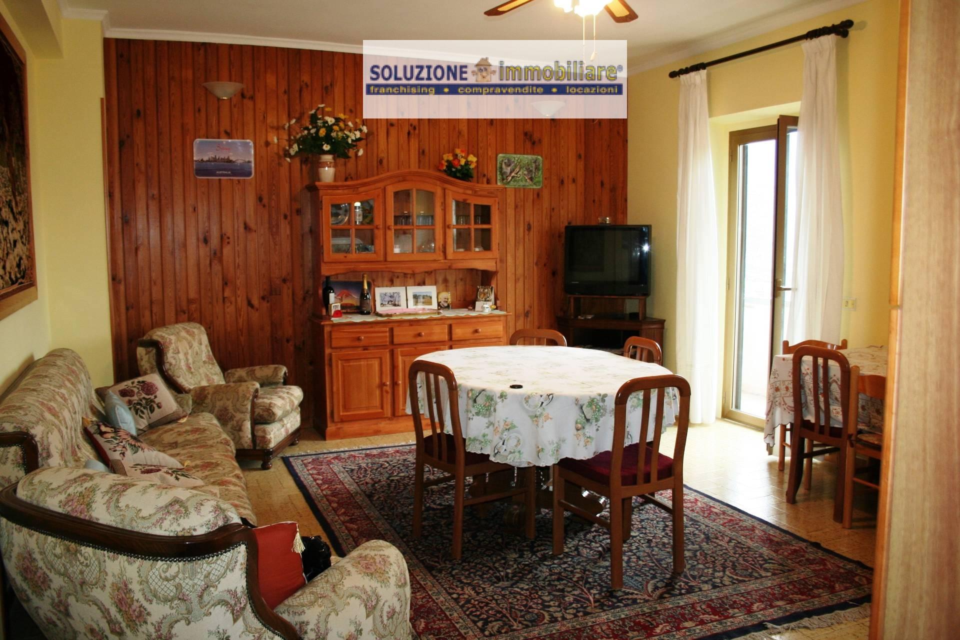 Appartamento in vendita a Caramanico Terme, 4 locali, prezzo € 125.000 | CambioCasa.it