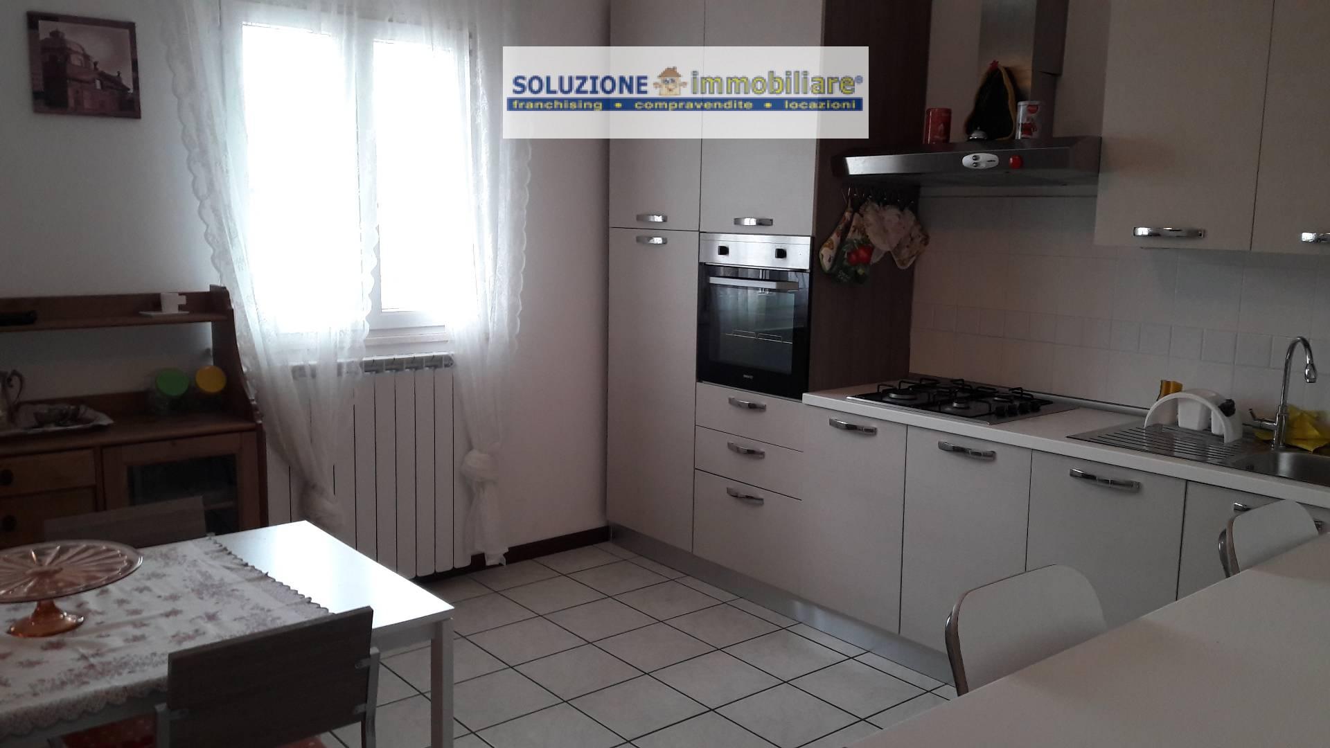Appartamento in affitto a Cepagatti, 4 locali, zona Zona: Villanova, prezzo € 450 | CambioCasa.it