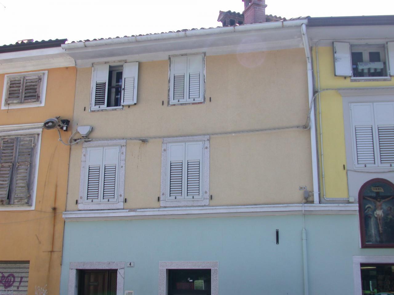 Appartamento in affitto a Gorizia, 5 locali, zona Località: centro, prezzo € 385 | Cambio Casa.it