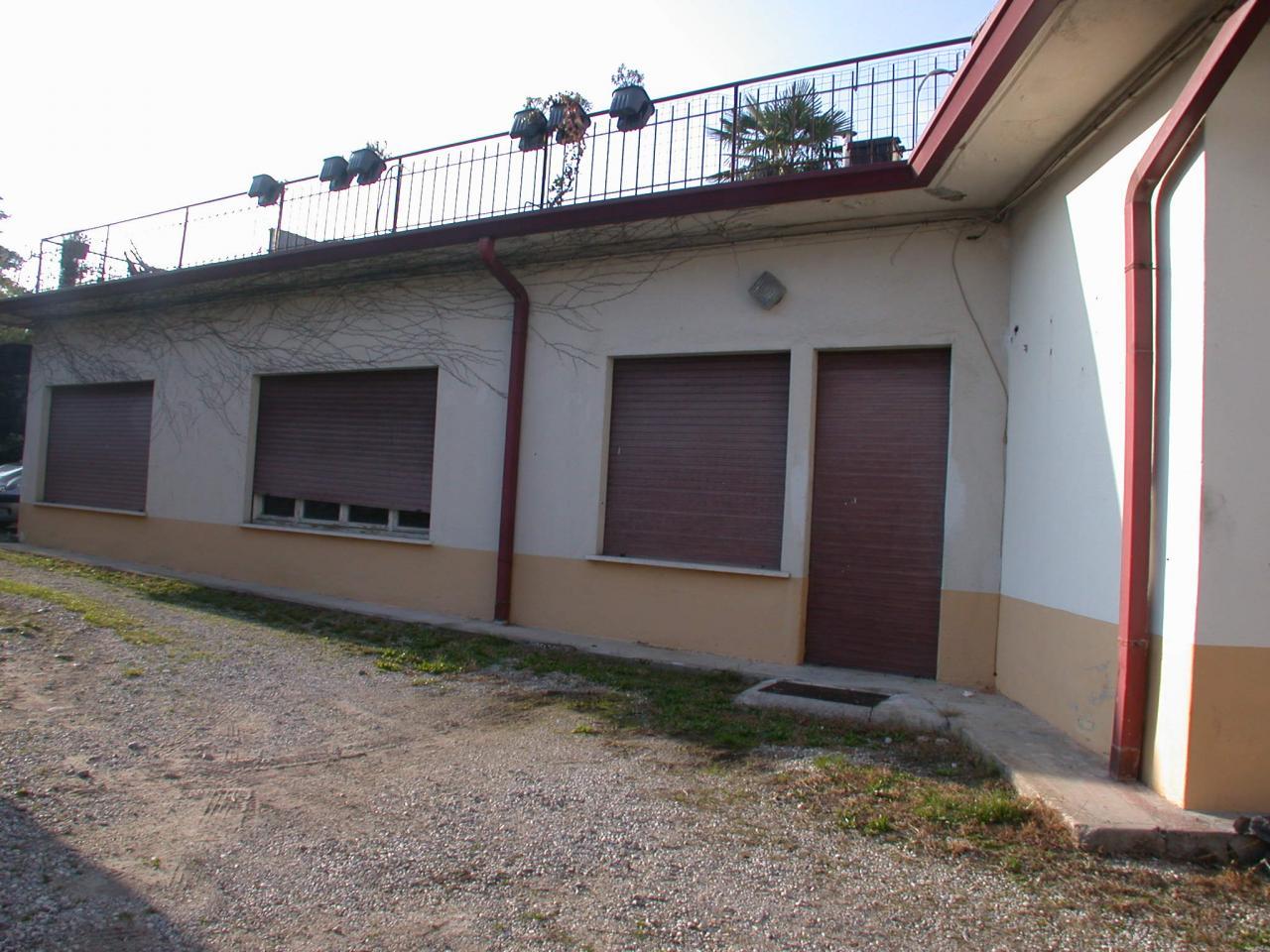 Negozio / Locale in affitto a Gorizia, 9999 locali, zona Località: centro, prezzo € 90.000 | Cambio Casa.it