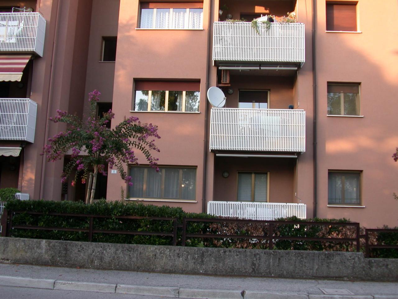 Appartamento in vendita a Gorizia, 6 locali, zona Località: S.Anna, prezzo € 115.000 | Cambio Casa.it