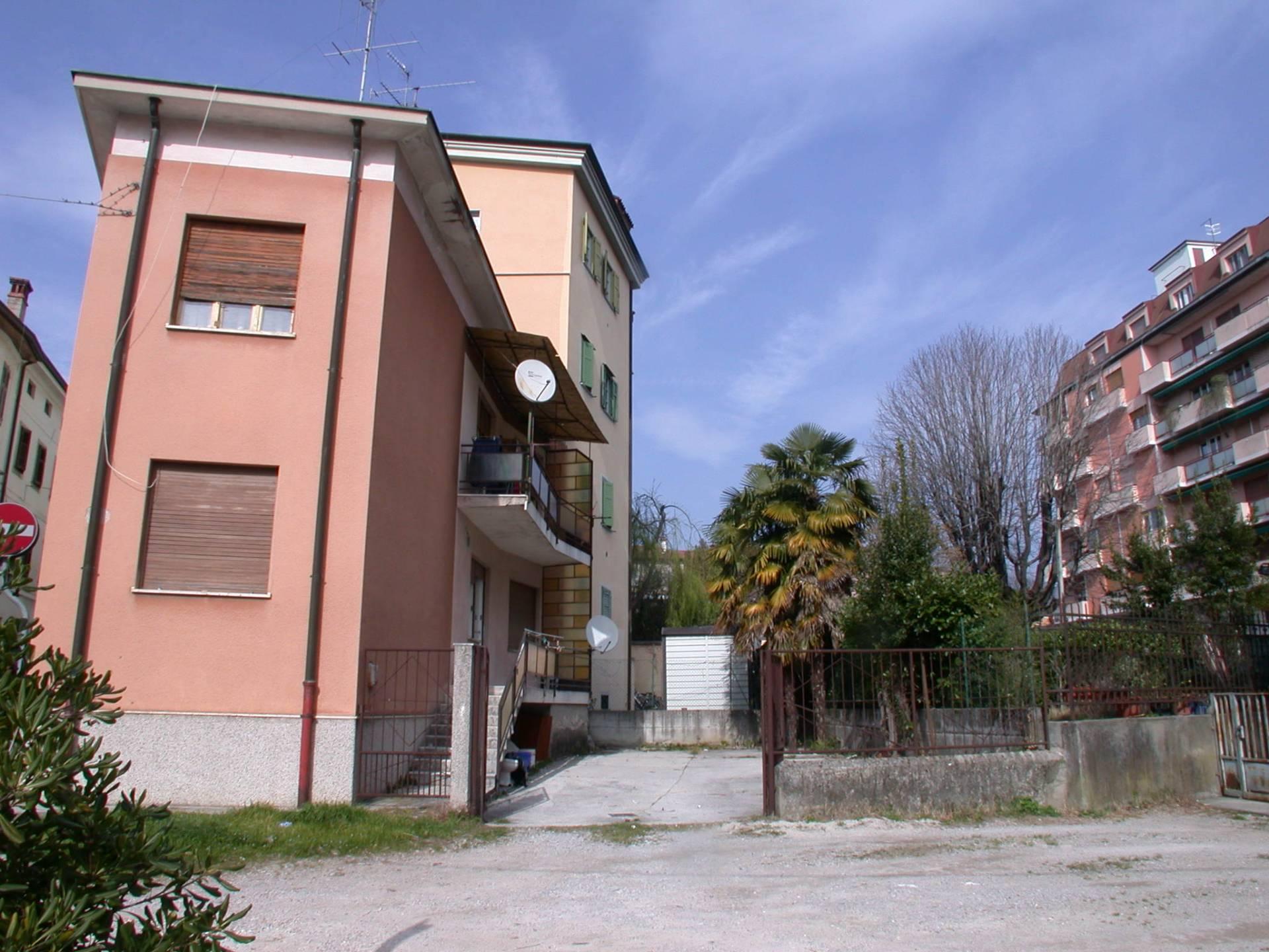 Appartamento in affitto a Gorizia, 4 locali, zona Località: Centrostorico, prezzo € 440 | CambioCasa.it