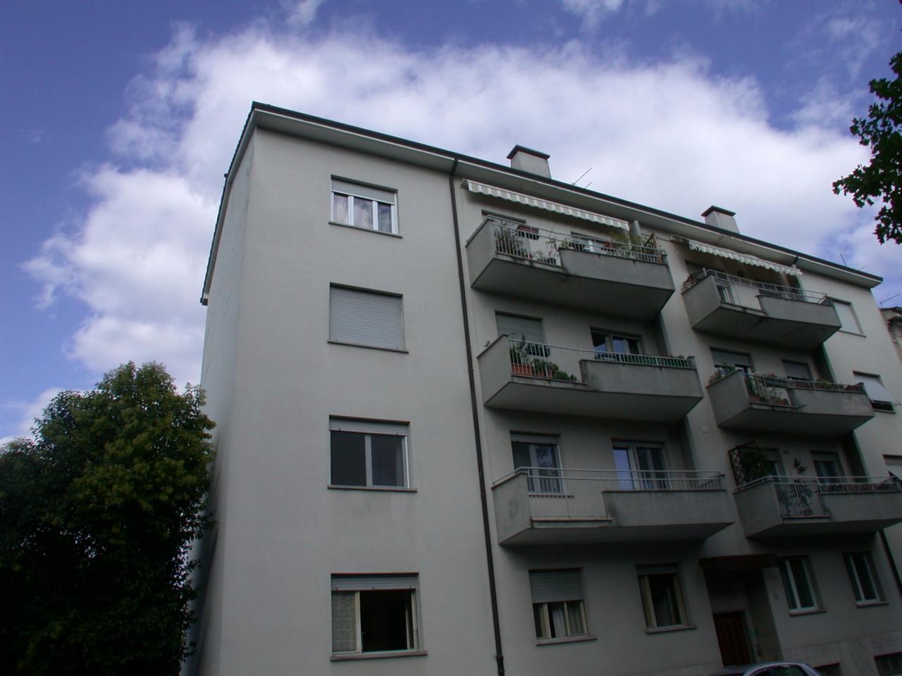 Appartamento in affitto a Gorizia, 6 locali, zona Località: centro, prezzo € 400 | CambioCasa.it