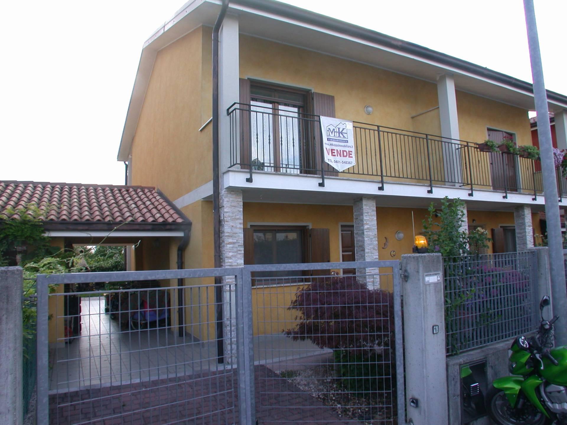 Villa Bifamiliare in vendita a Mossa, 6 locali, prezzo € 141.000 | CambioCasa.it