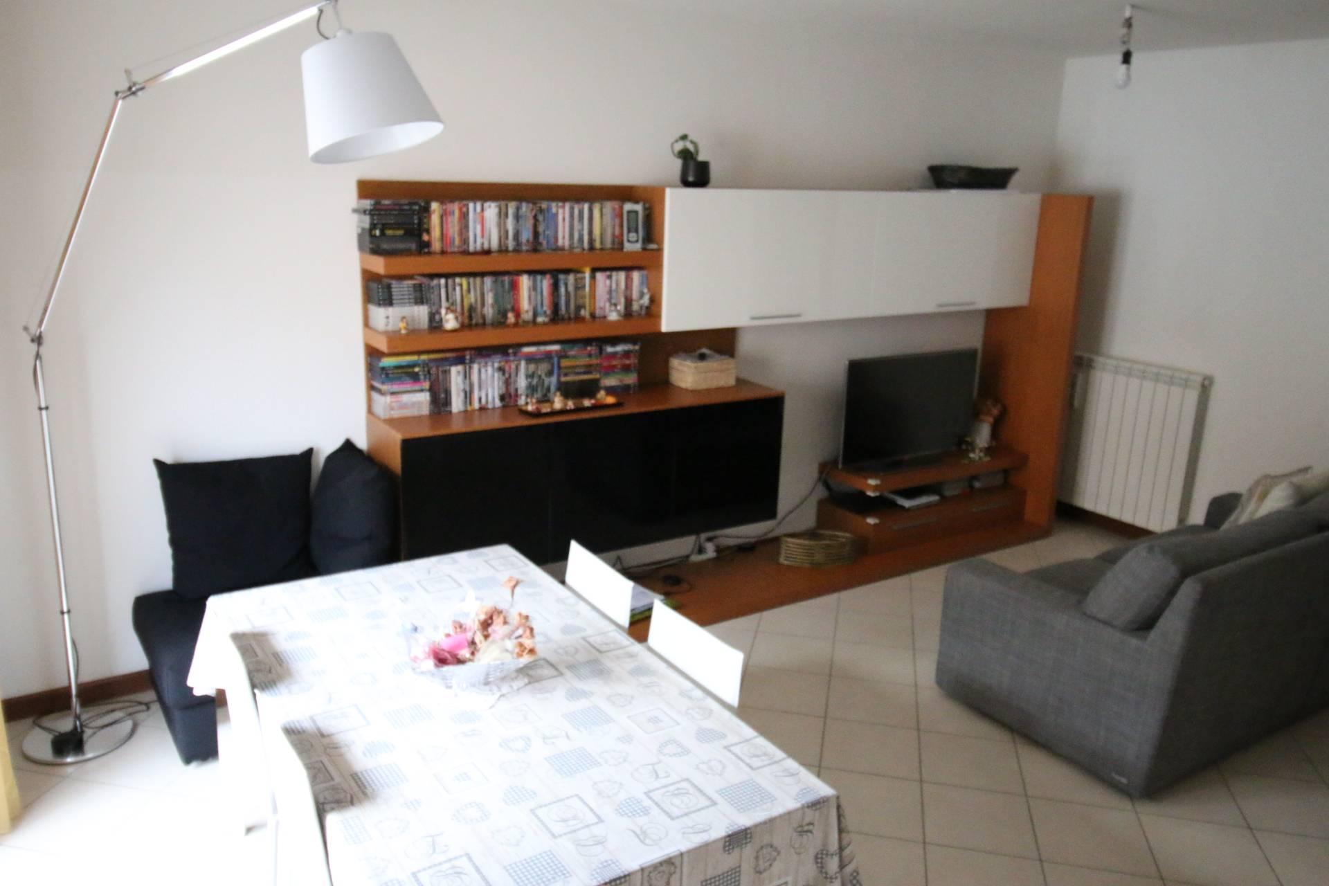 Appartamento in vendita a Gorizia, 6 locali, prezzo € 112.000   CambioCasa.it