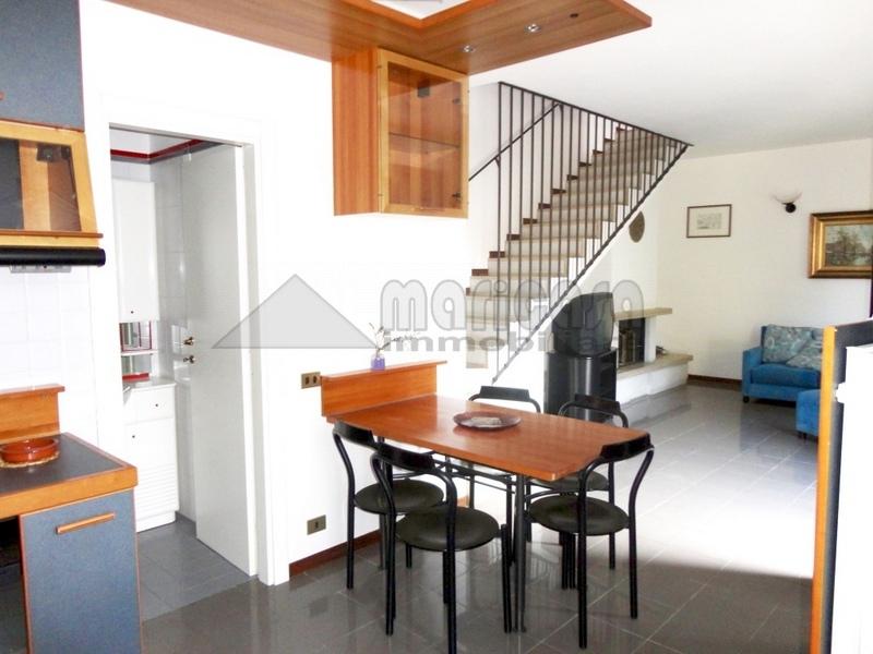 Soluzione Indipendente in affitto a Ferrara, 5 locali, zona Località: ViaBologna, prezzo € 750 | Cambio Casa.it