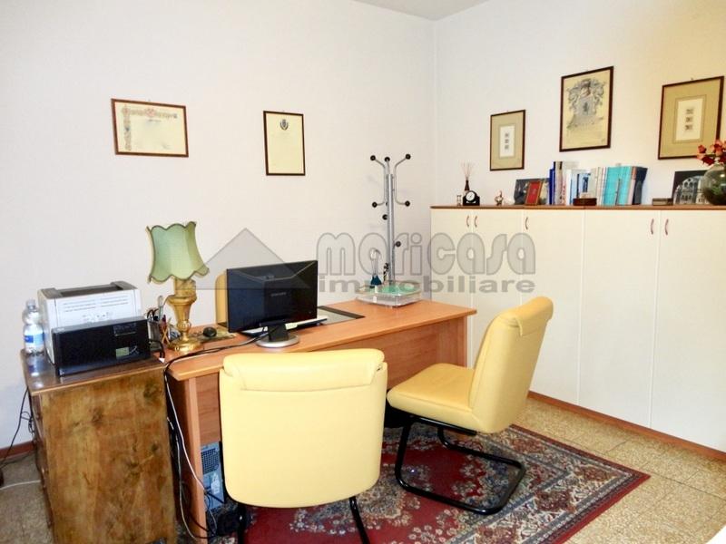 Ufficio / Studio in affitto a Ferrara, 9999 locali, zona Località: Centrostorico, prezzo € 350 | Cambio Casa.it