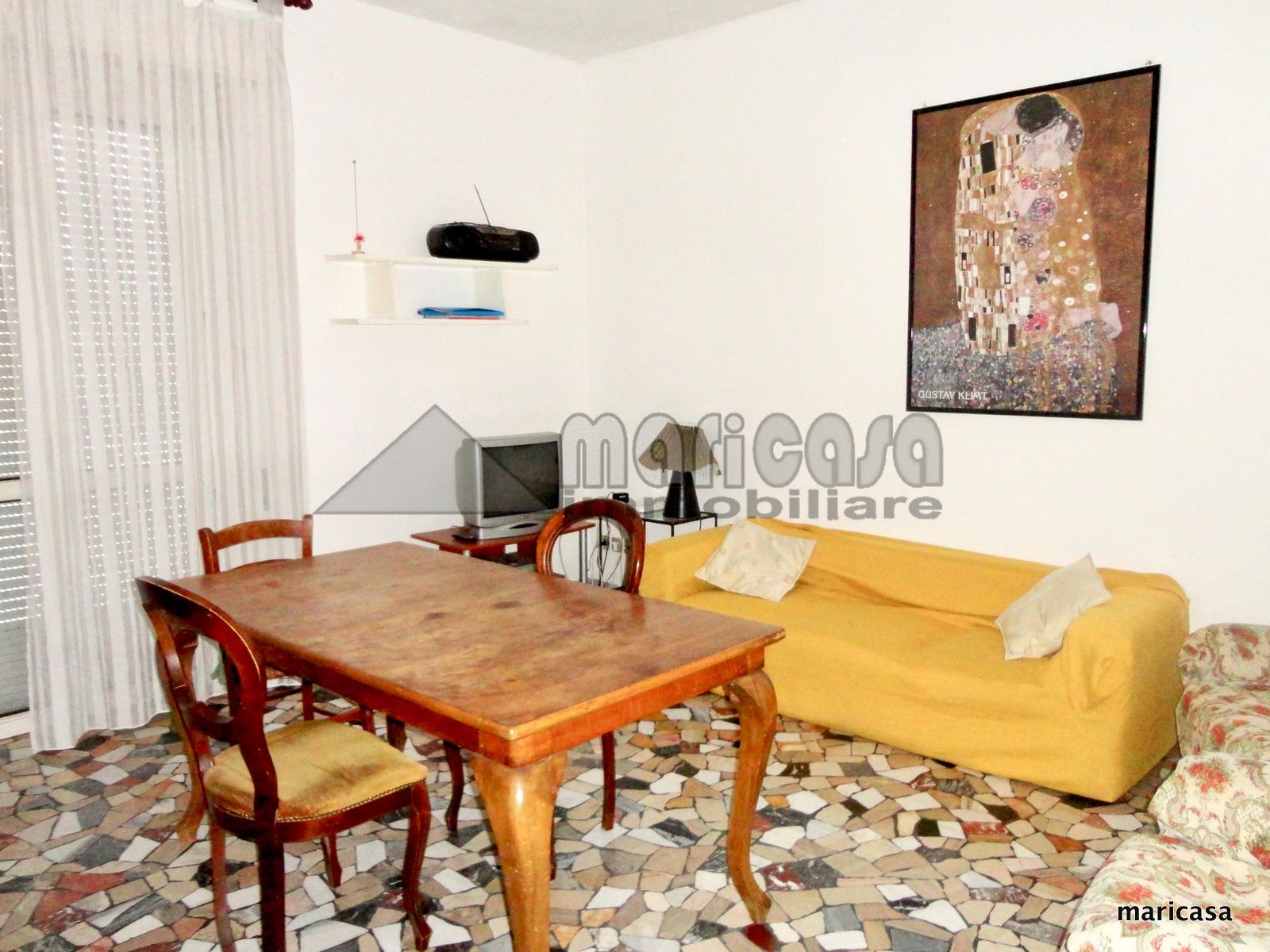 Appartamento in affitto a Ferrara, 4 locali, zona Località: EntroMura, prezzo € 600 | CambioCasa.it