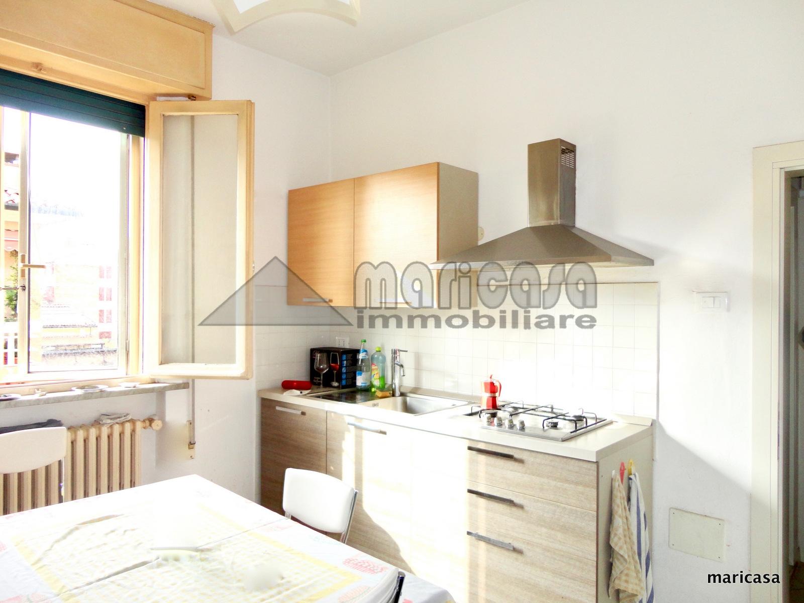 Appartamento in affitto a Ferrara, 4 locali, zona Località: EntroMura, prezzo € 700 | CambioCasa.it