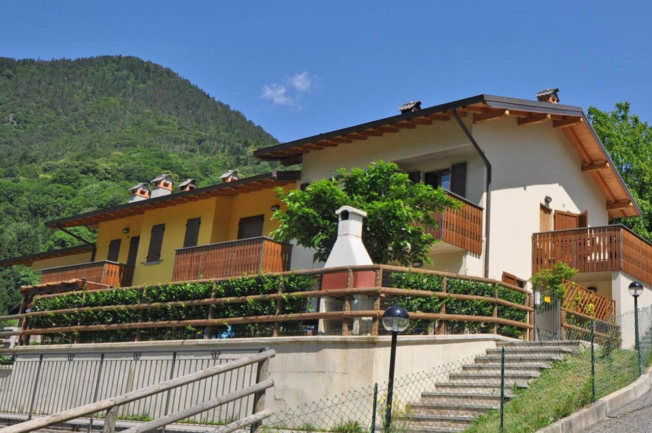 Villa in vendita a Moio de' Calvi, 3 locali, zona Zona: Foppo, prezzo € 112.000 | Cambio Casa.it