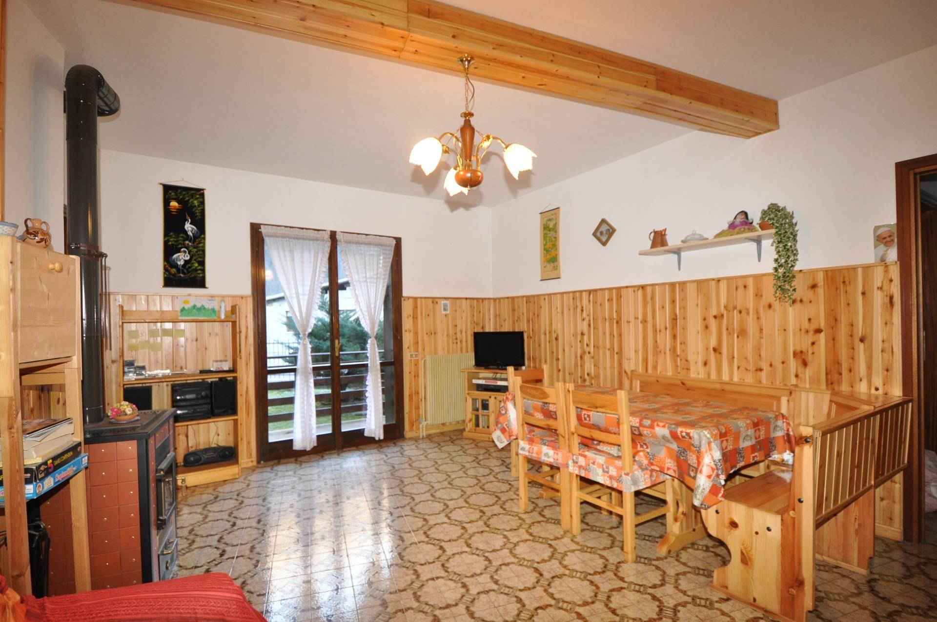 Appartamento in Vendita a Isola di Fondra