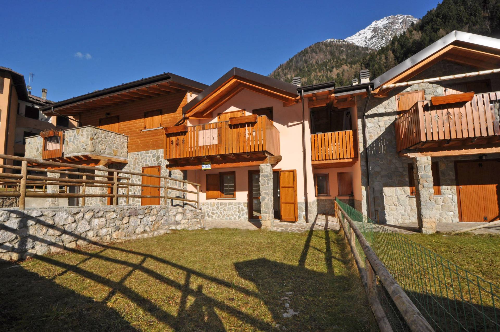 Villa in vendita a Isola di Fondra, 3 locali, Trattative riservate | Cambio Casa.it