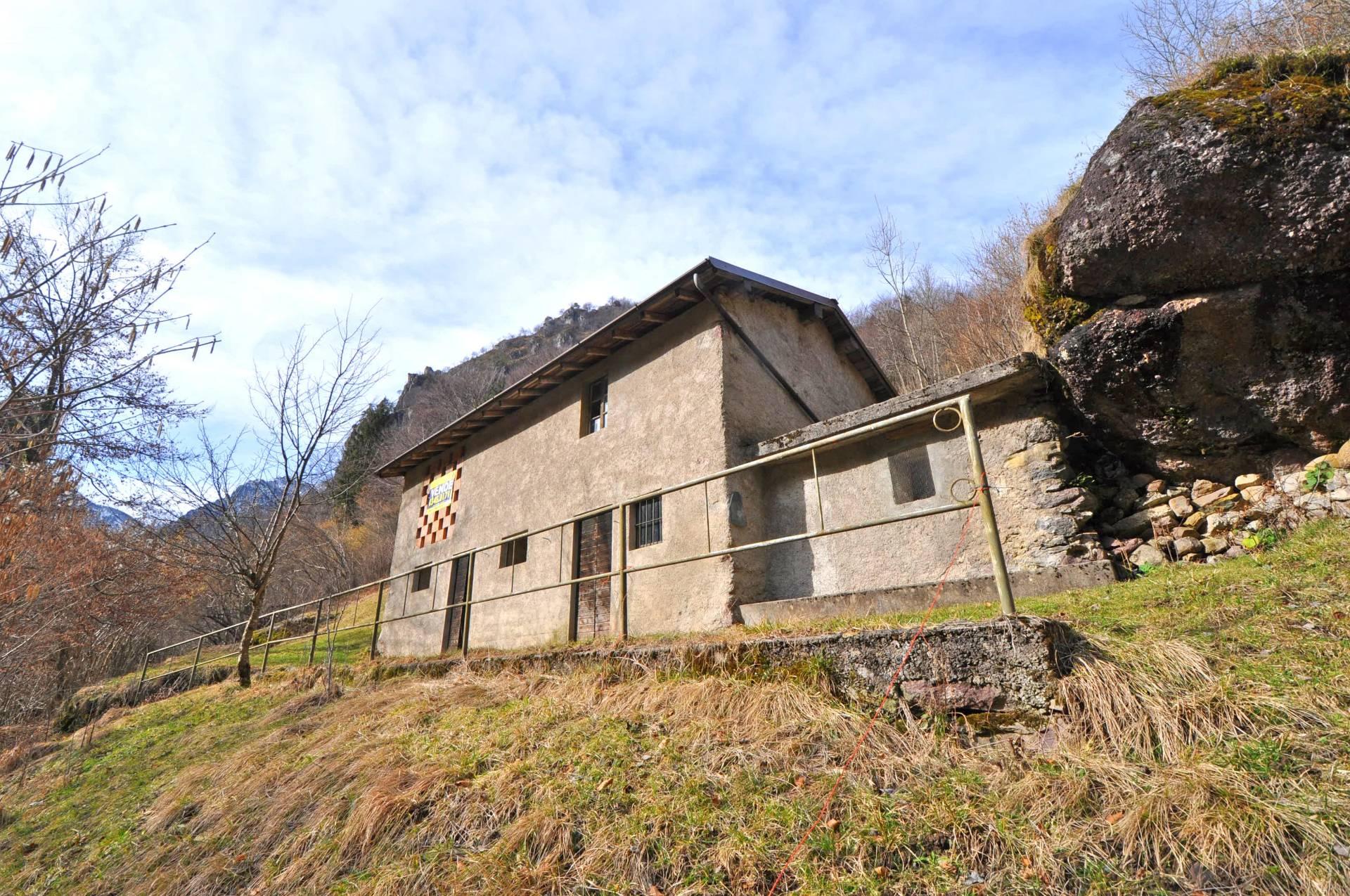 Rustico / Casale in vendita a Ornica, 3 locali, prezzo € 18.000 | Cambio Casa.it