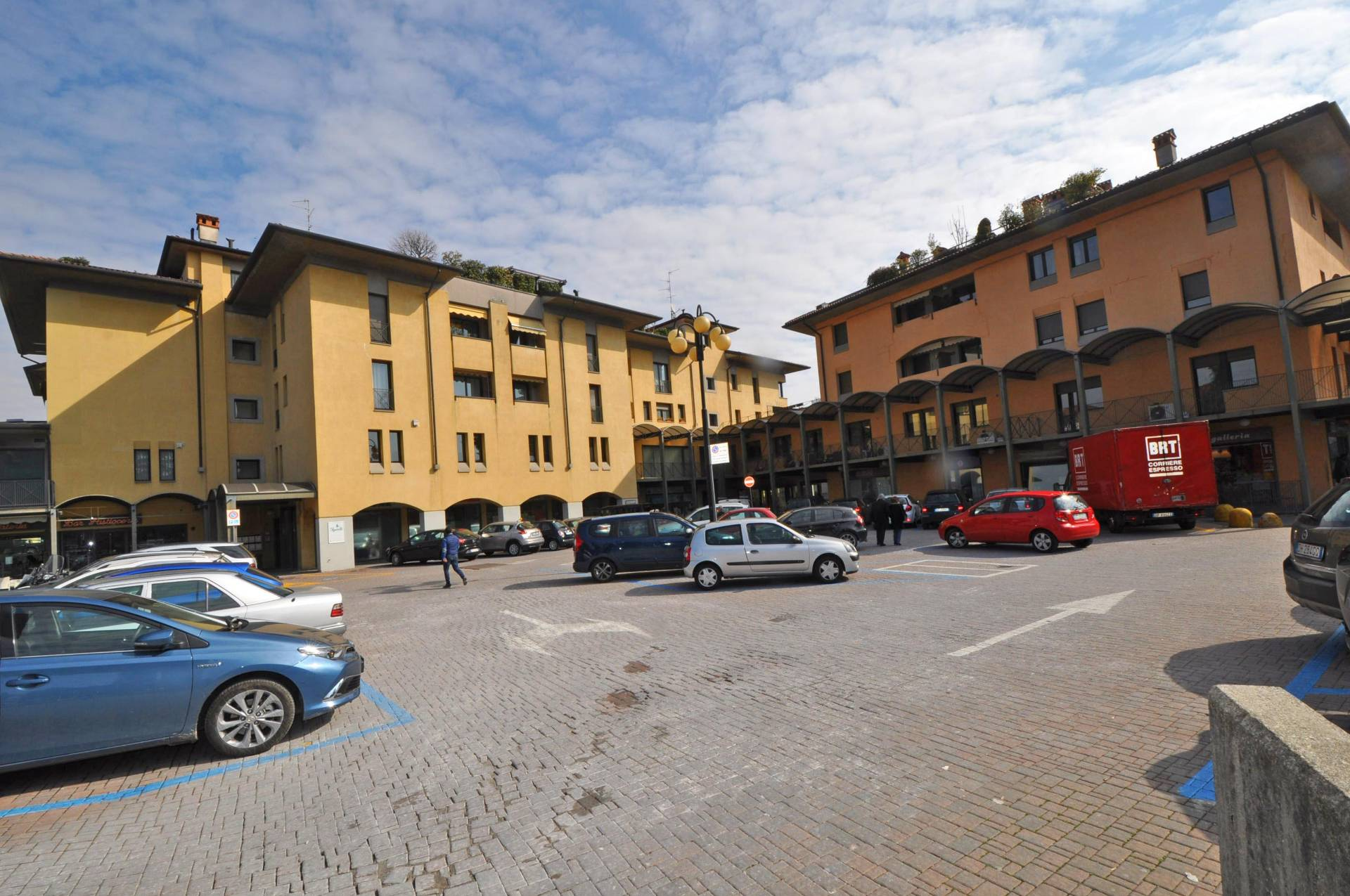 Negozio / Locale in vendita a Seriate, 9999 locali, prezzo € 160.000 | Cambio Casa.it