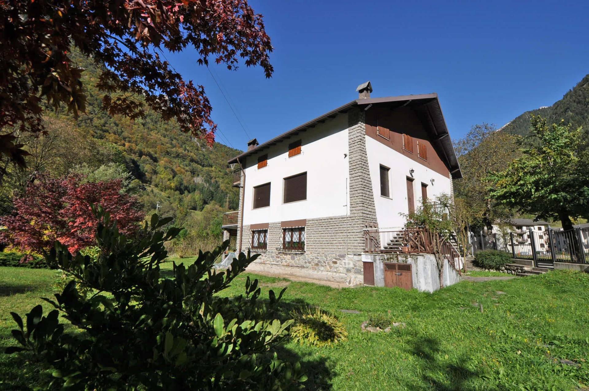 Appartamento in vendita a Isola di Fondra, 4 locali, Trattative riservate | Cambio Casa.it