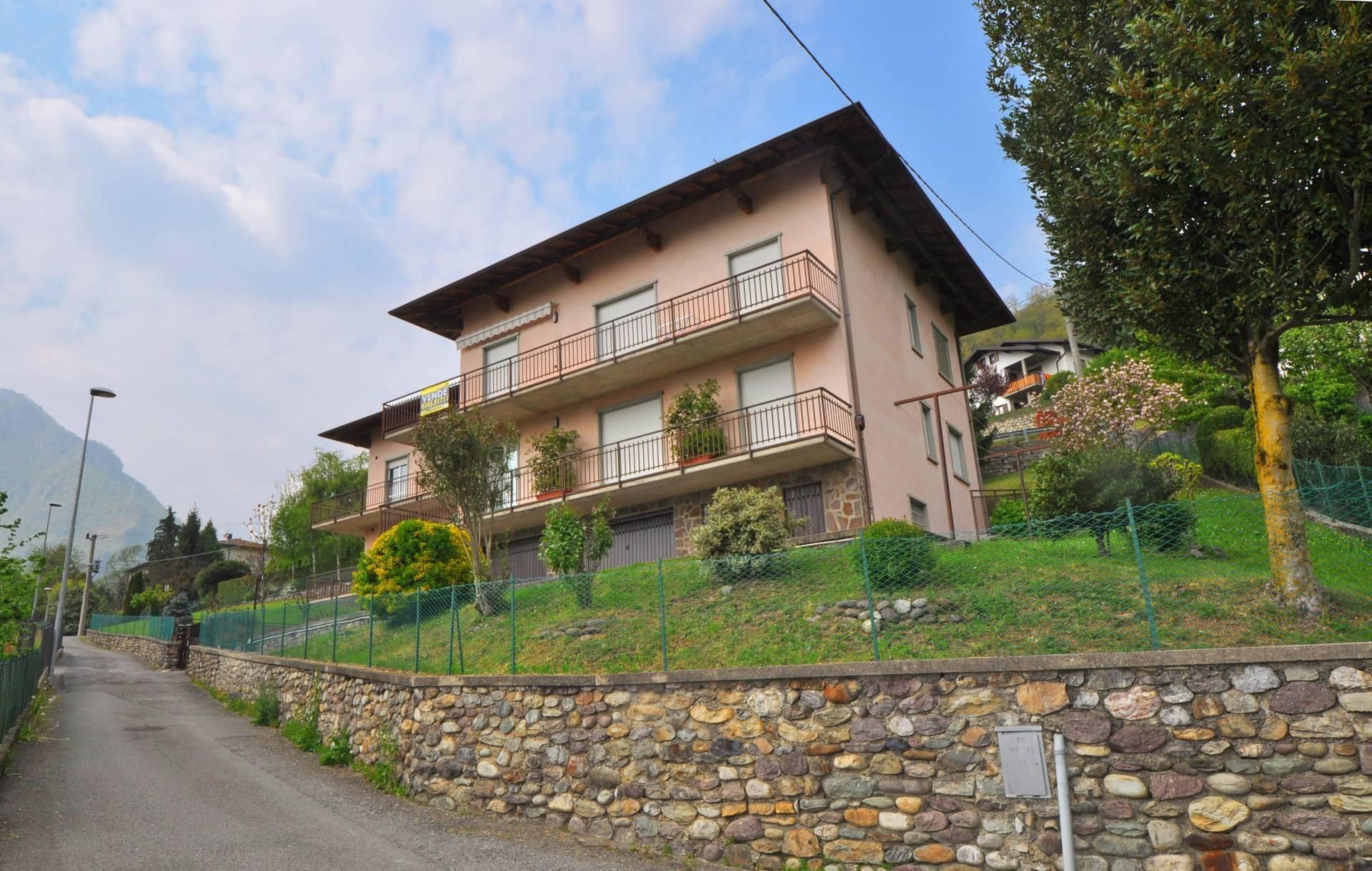 Appartamento in vendita a Zogno, 5 locali, zona Località: SpinoalBrembo, Trattative riservate | Cambio Casa.it