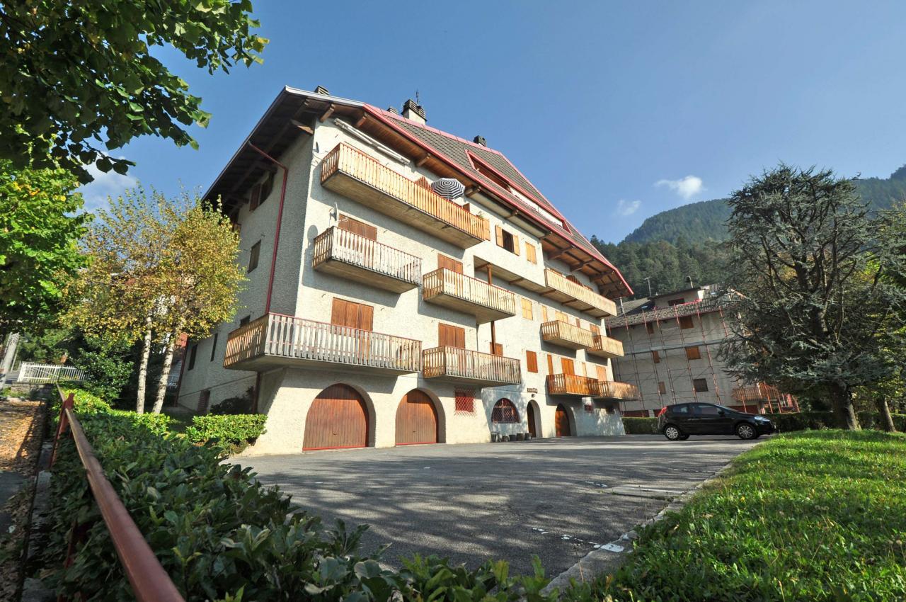 Appartamento in affitto a Piazzatorre, 4 locali, prezzo € 234 | Cambio Casa.it