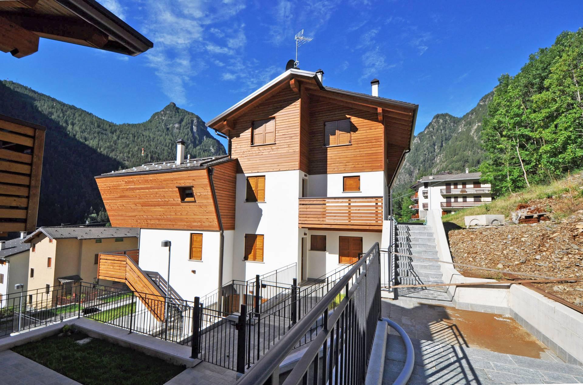 Villa in vendita a Carona, 3 locali, Trattative riservate | Cambio Casa.it