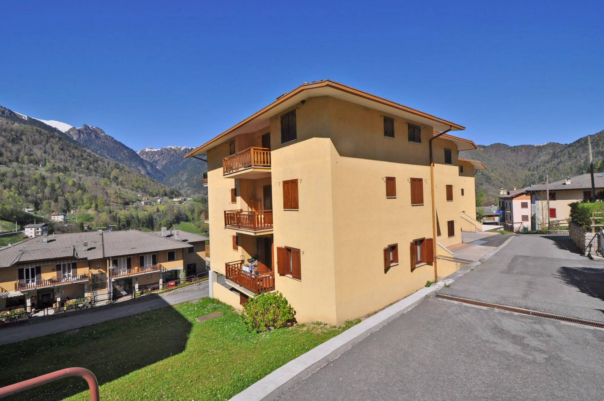 Appartamento in vendita a Santa Brigida, 3 locali, prezzo € 49.900 | Cambio Casa.it