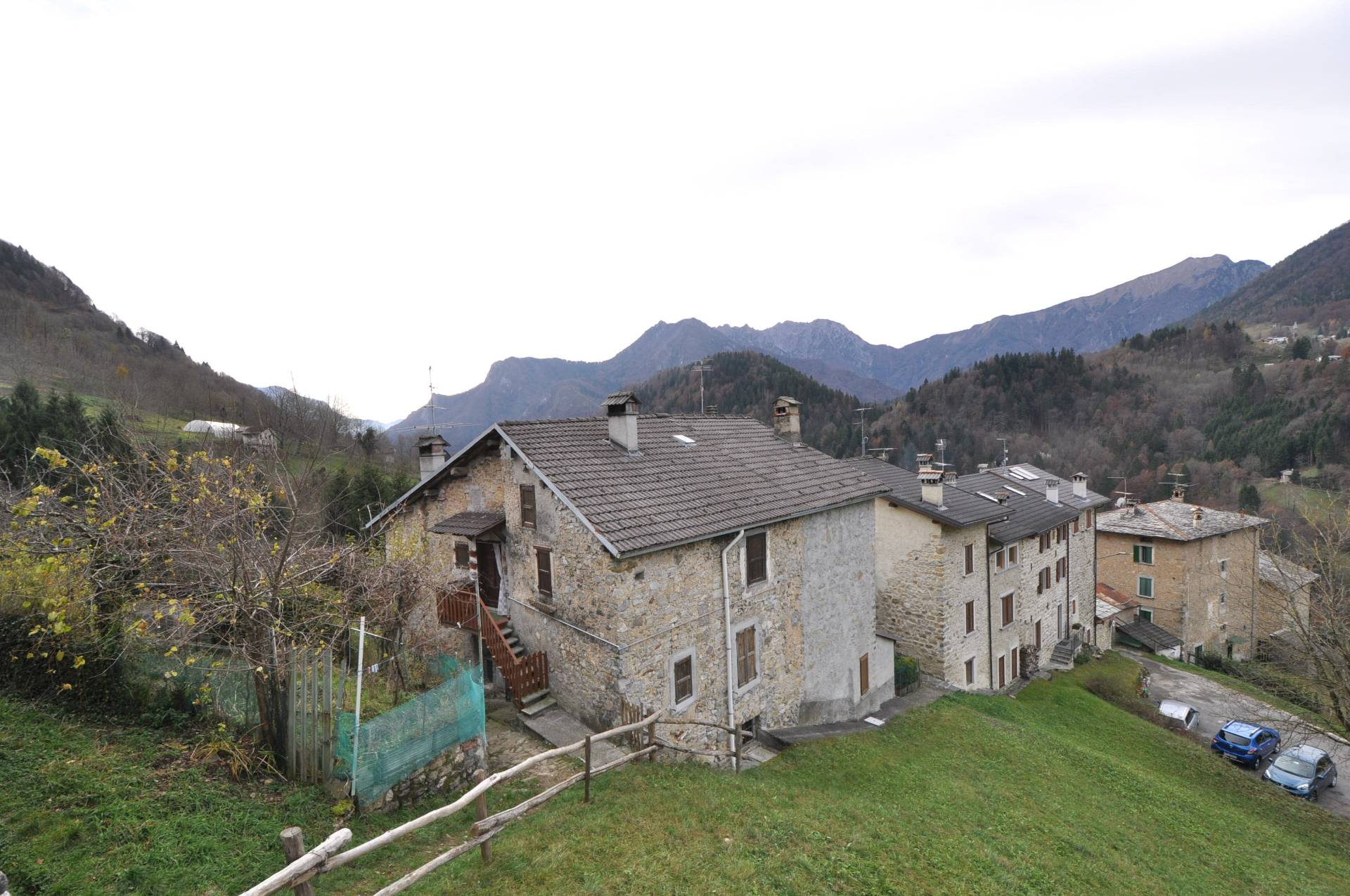 Appartamento in vendita a Averara, 3 locali, prezzo € 31.000 | Cambio Casa.it