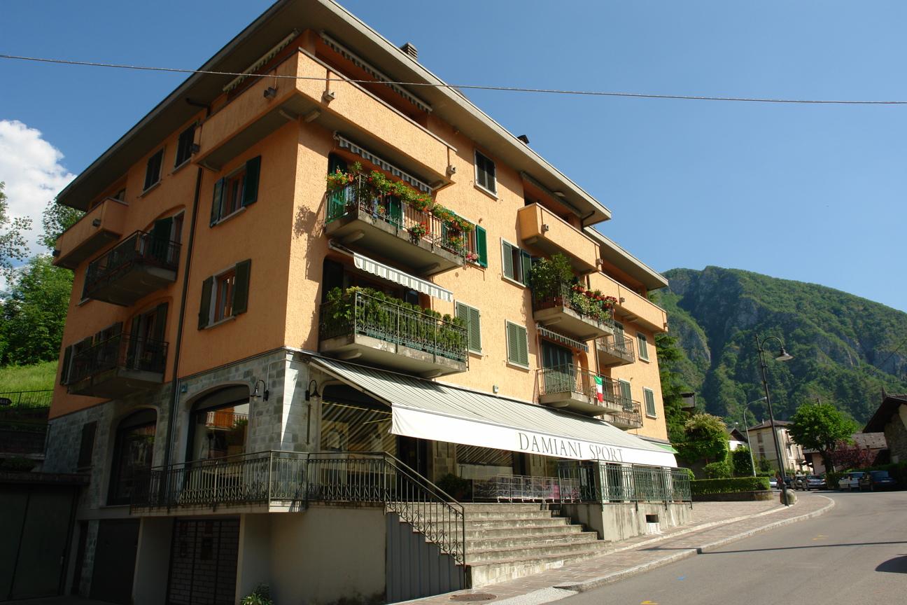 Appartamento in vendita a Piazza Brembana, 2 locali, prezzo € 59.000 | Cambio Casa.it