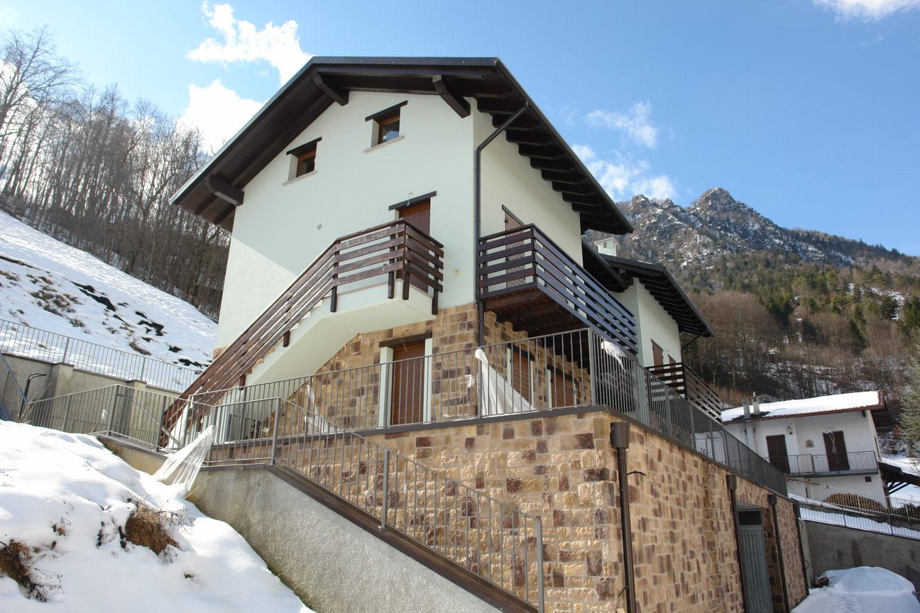Villa in Vendita a Santa Brigida
