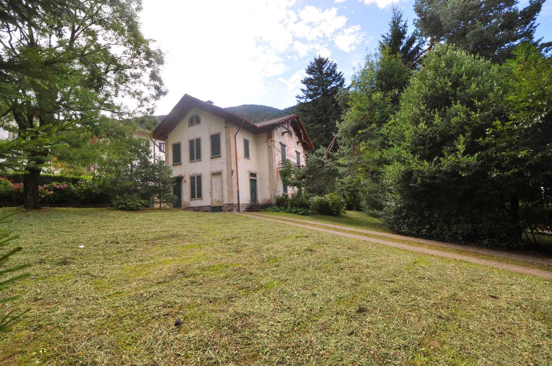 Villa in Vendita a Piazzatorre