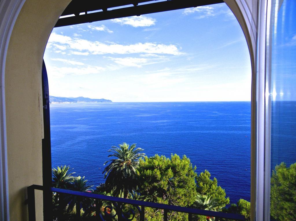Appartamento in affitto a Rapallo, 5 locali, zona Località: SanMichelediPagana, Trattative riservate | CambioCasa.it