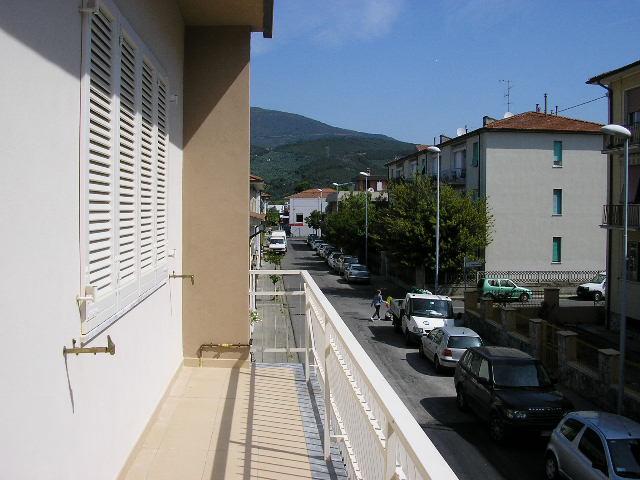 Appartamento in affitto a Cascina, 4 locali, zona Località: Centro, prezzo € 750 | Cambio Casa.it