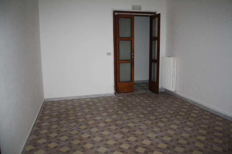Ufficio / Studio in affitto a Teramo, 9999 locali, zona Località: CentroStorico, prezzo € 1.500 | CambioCasa.it