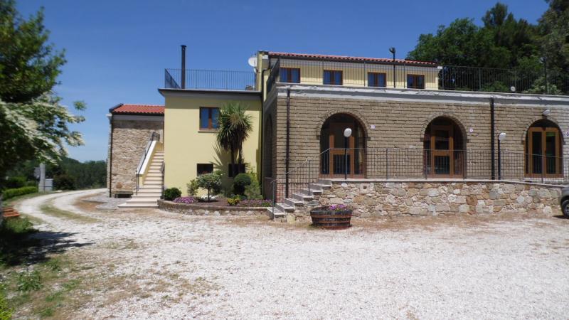 Agriturismo in vendita a Civitella del Tronto, 9999 locali, zona Zona: Ripe, prezzo € 550.000 | Cambio Casa.it