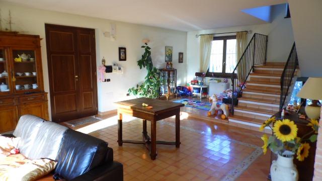 Villa in vendita a Teramo, 7 locali, zona Zona: Frondarola, prezzo € 260.000 | Cambio Casa.it