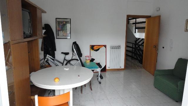 Attico / Mansarda in vendita a Teramo, 3 locali, zona Località: VialeBovio, prezzo € 75.000 | CambioCasa.it