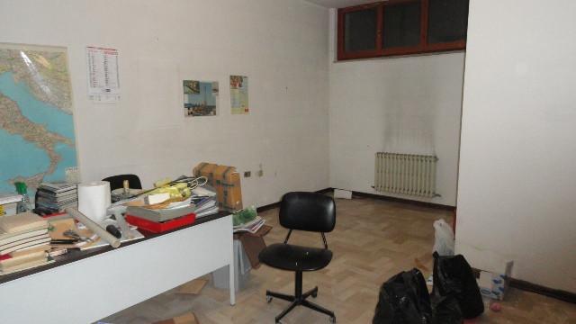 Ufficio / Studio in vendita a Teramo, 9999 locali, zona Zona: Centro , prezzo € 35.000 | CambioCasa.it