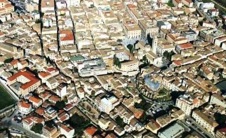 Ufficio / Studio in affitto a Teramo, 9999 locali, zona Località: CentroStorico, prezzo € 6.500 | CambioCasa.it