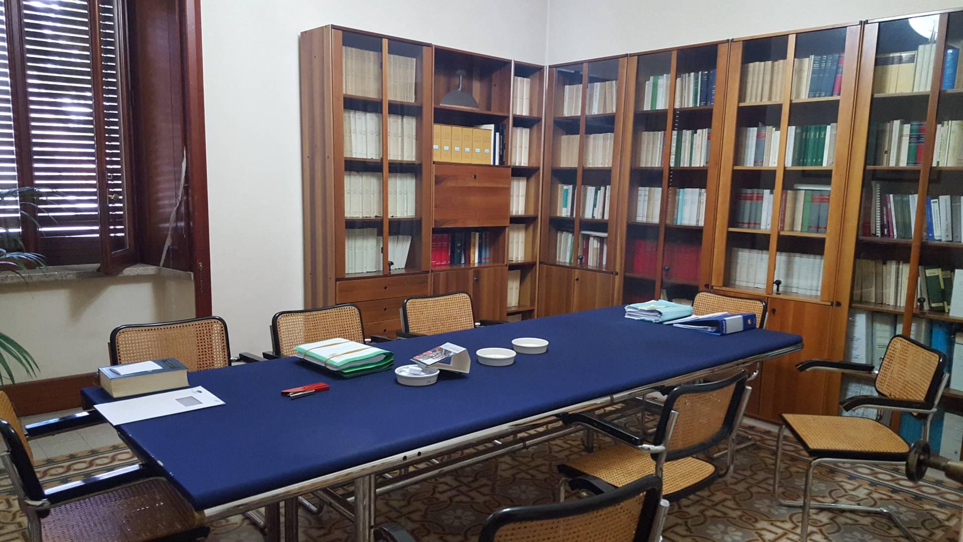 Ufficio / Studio in vendita a Teramo, 9999 locali, zona Zona: Centro , prezzo € 250.000 | CambioCasa.it