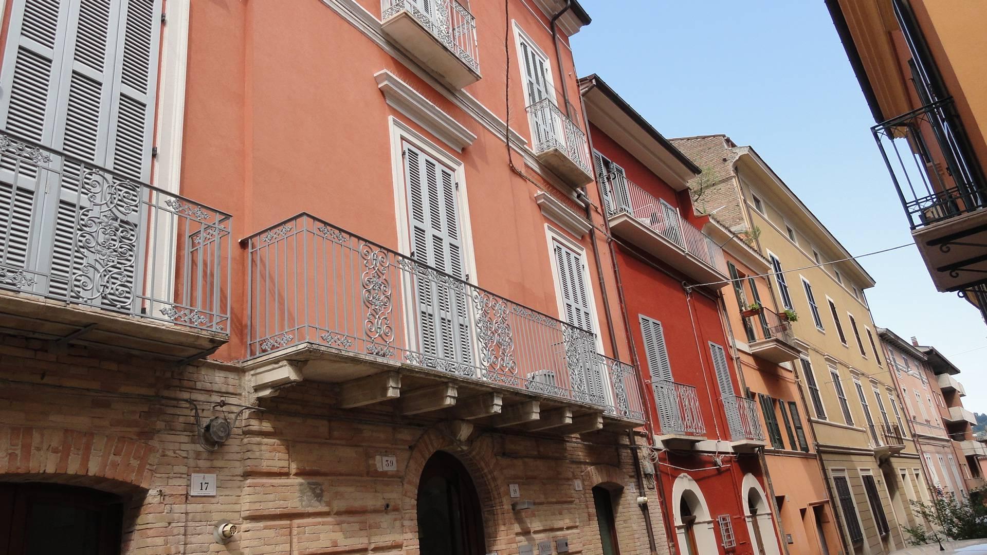 Ufficio / Studio in vendita a Teramo, 9999 locali, zona Località: CentroStorico, prezzo € 65.000 | CambioCasa.it