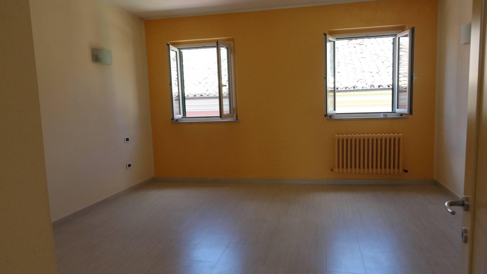 Appartamento in affitto a Teramo, 4 locali, zona Località: CentroStorico, prezzo € 500 | CambioCasa.it